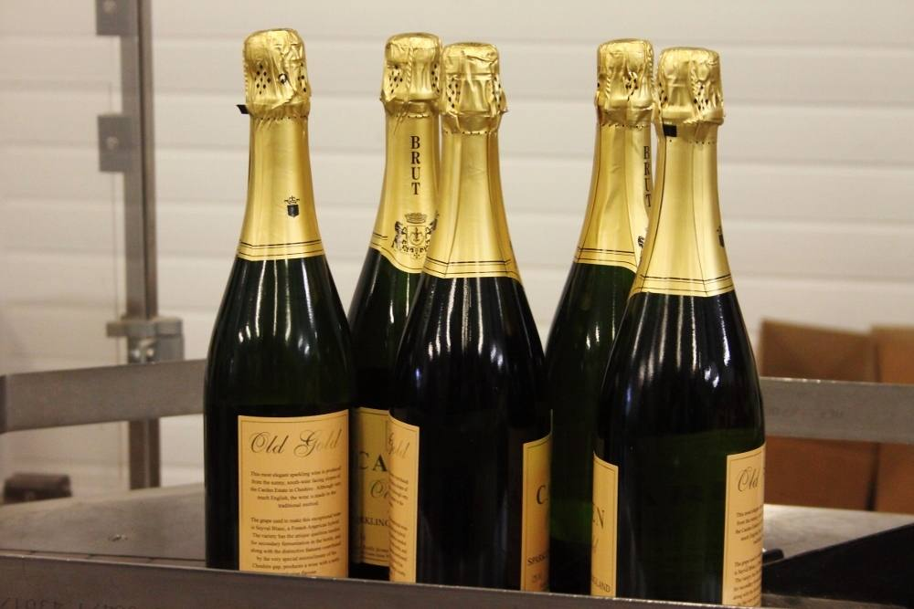 carden old gold sparkling wine