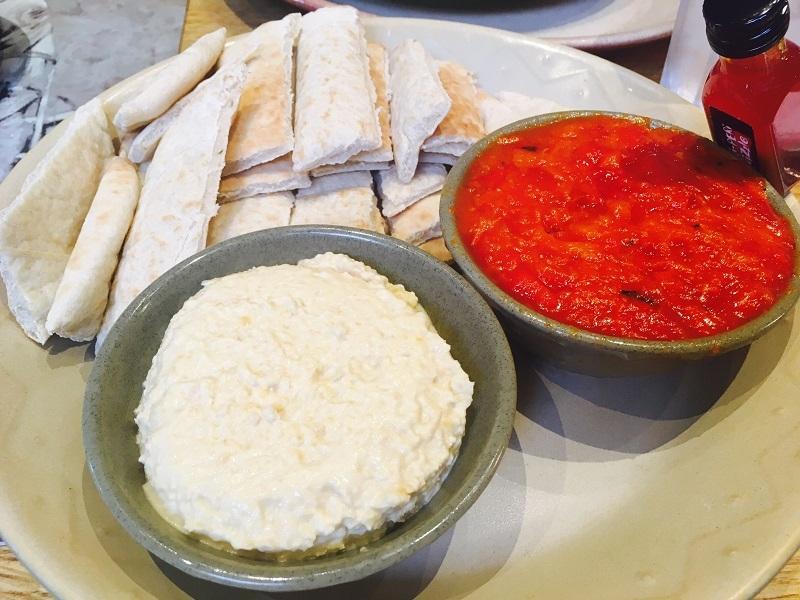 nandos hoummus and pitta