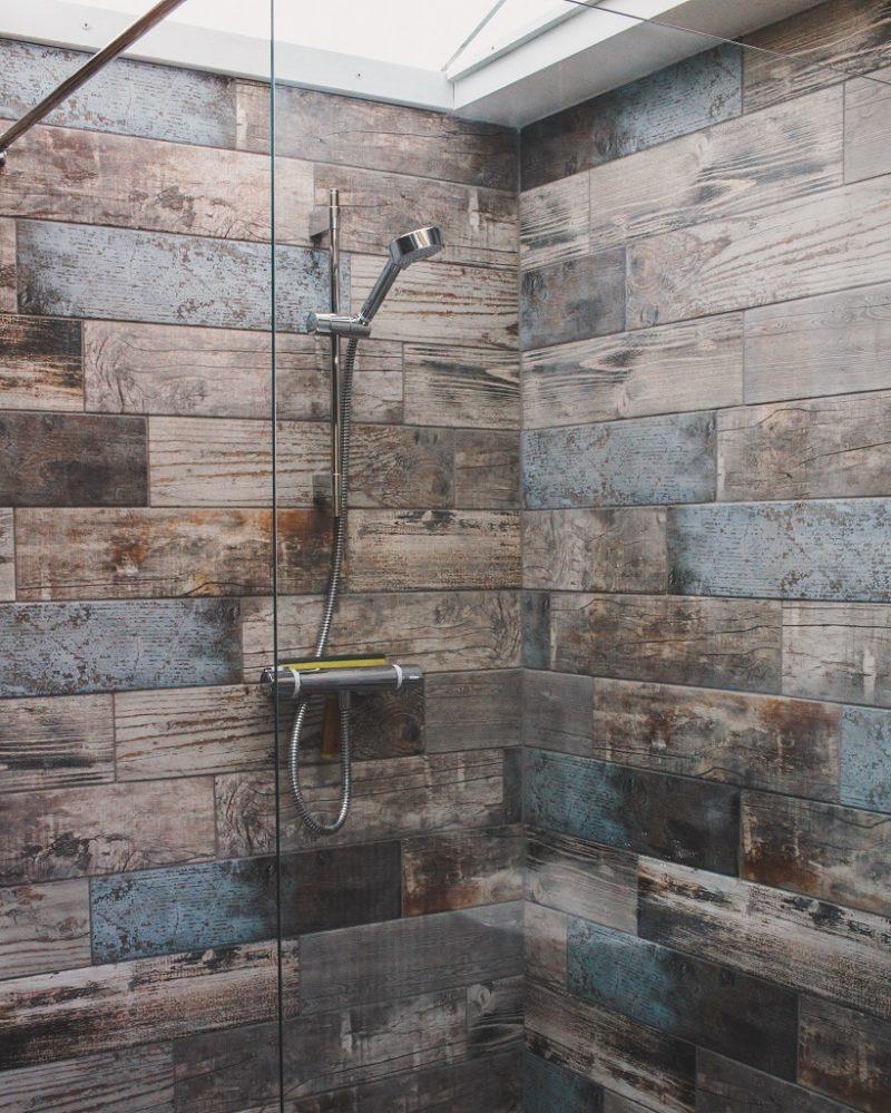 Wild Wellingtons shower room