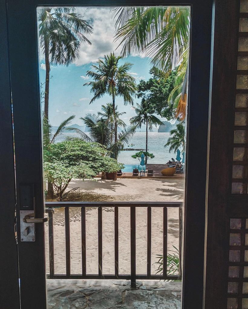 Miniloc Island Beachfront Cottage
