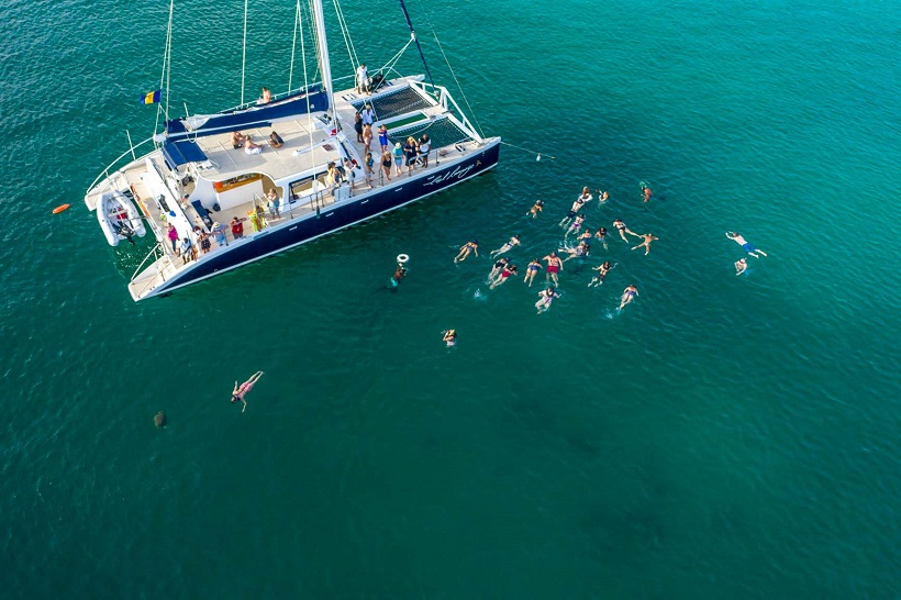 Snorkelling on Cool Runnings catamaran